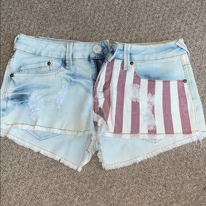 Jean shorts with American flag design